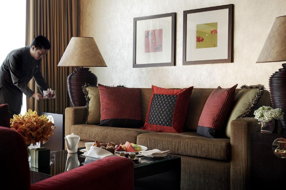 포 시즌스 호텔 홍콩(Four Seasons Hotel Hong Kong) Hotel Image 4 - Guestroom