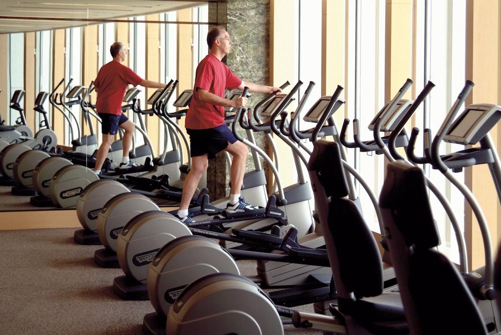 포 시즌스 호텔 홍콩(Four Seasons Hotel Hong Kong) Hotel Image 40 - Gym