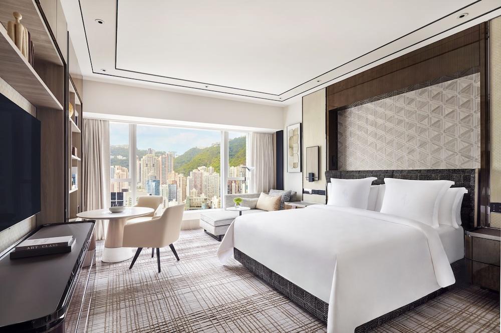 https://i.travelapi.com/hotels/2000000/1420000/1418800/1418778/w4000h2659x0y0-d40bbbd4_z.jpg