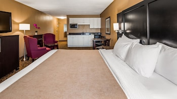 Standard Room, 1 King Bed, Non Smoking, Fireplace