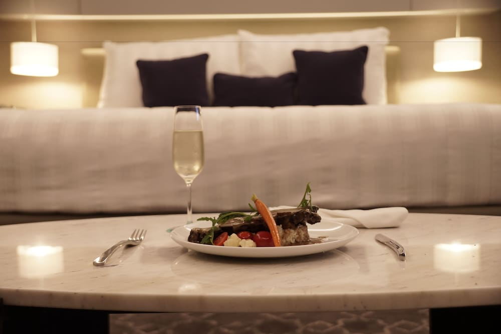 Room Service - Dining