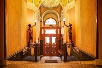 Hotel - Bohemia Plaza Hotel