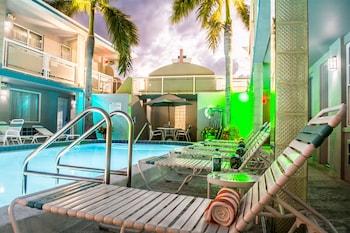 Hotel - Camelot Beach Suites