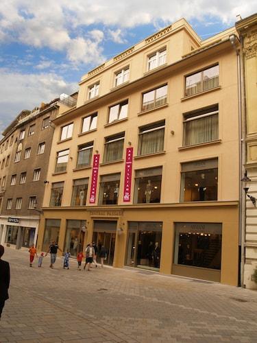 Art Hotel William, Bratislava I