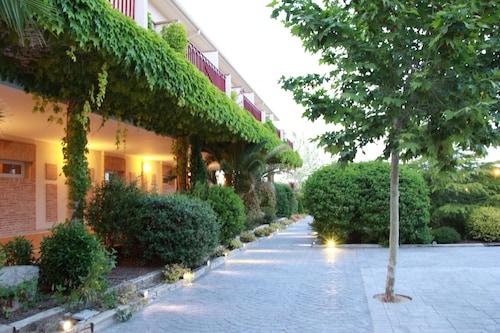 . La Ermita Hotel