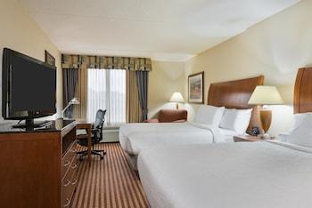 Guestroom at Hilton Garden Inn Washington DC/Greenbelt in Greenbelt