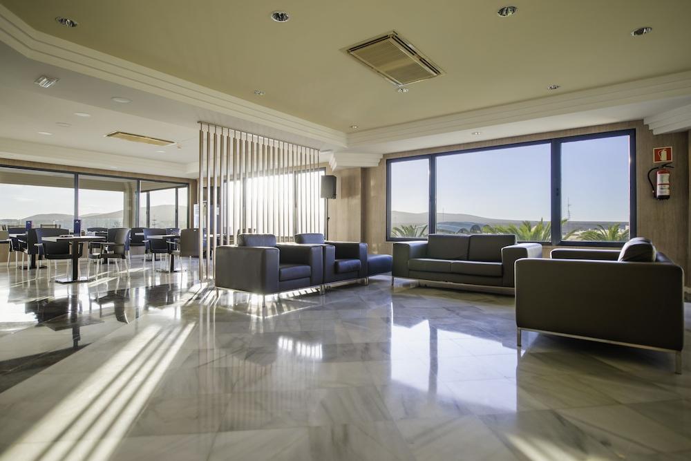 KN 호텔 마타스 블랑카스 - 어른 전용(Kn Hotel Matas Blancas - Adults Only) Hotel Image 1 - Lobby Sitting Area