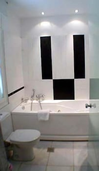 Junior Suite, Jetted Tub