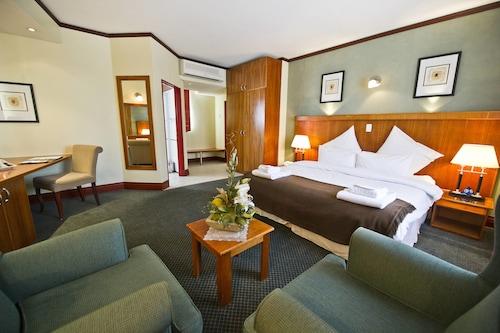 Protea Hotel by Marriott Windhoek Furstenhof, Windhoek West