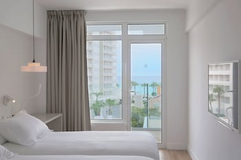 Double Room Single Use, Partial Sea View