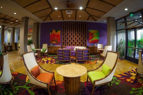 Tahiti Village Resort & Spa, Clark