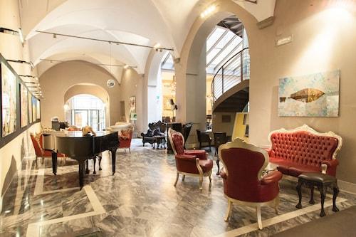 . Borghese Palace Art Hotel