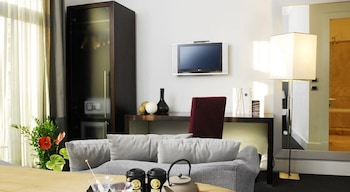 Double or Twin Room, 1 Bedroom (3 pax)