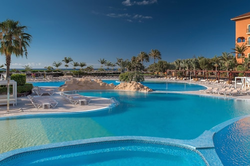 Caleta de Fuste - Sheraton Fuerteventura Beach, Golf & Spa Resort - z Katowic, 18 kwietnia 2021, 3 noce