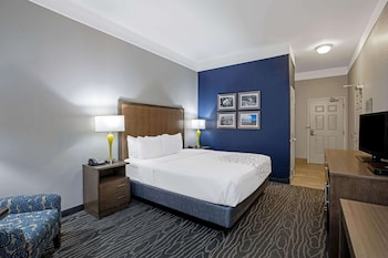 Deluxe Room, 1 King Bed, Accessible, Non Smoking (Mobility Accessible)