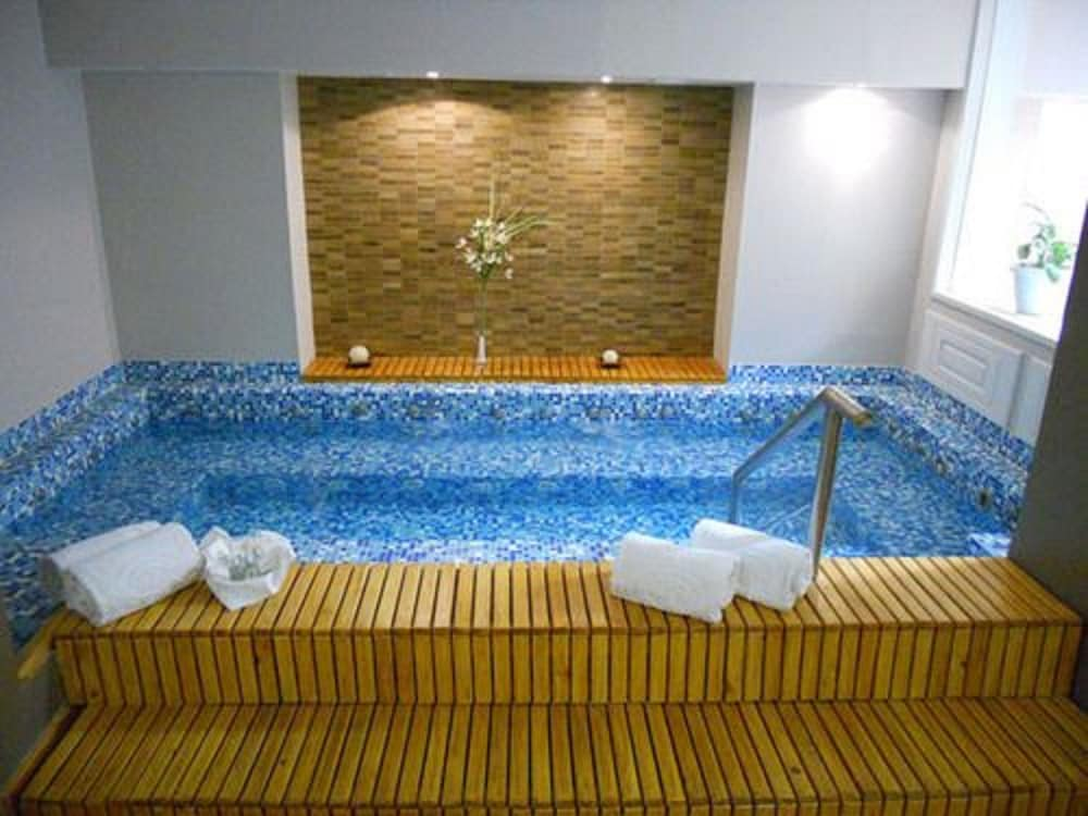 켄톤 팰리스 바릴로체(Kenton Palace Bariloche) Hotel Image 2 - Pool