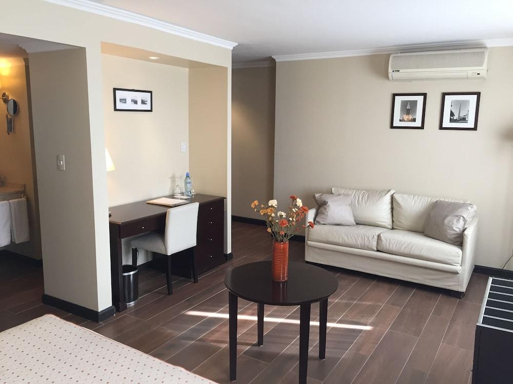 켄톤 팰리스 바릴로체(Kenton Palace Bariloche) Hotel Image 14 - Living Area