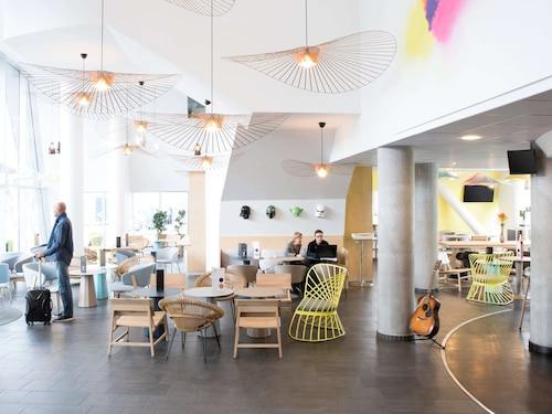 . Novotel Suites Gare Lille Europe