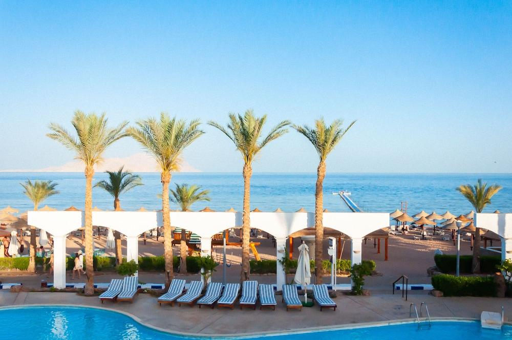 코럴 비치 리조트 몬타자  - 어른 전용(Coral Beach Resort Montazah - Adults Only) Hotel Image 61 - View from Hotel