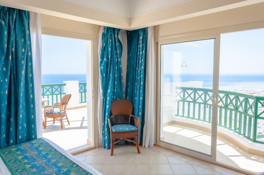 코럴 비치 리조트 몬타자  - 어른 전용(Coral Beach Resort Montazah - Adults Only) Hotel Image 35 - Guestroom