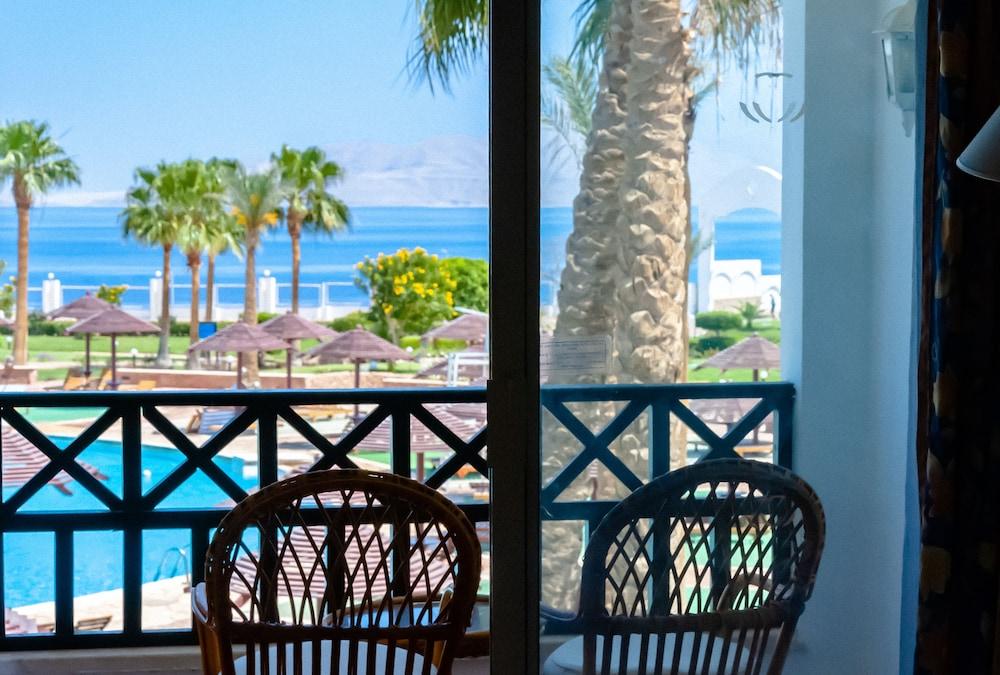 코럴 비치 리조트 몬타자  - 어른 전용(Coral Beach Resort Montazah - Adults Only) Hotel Image 33 - Guestroom