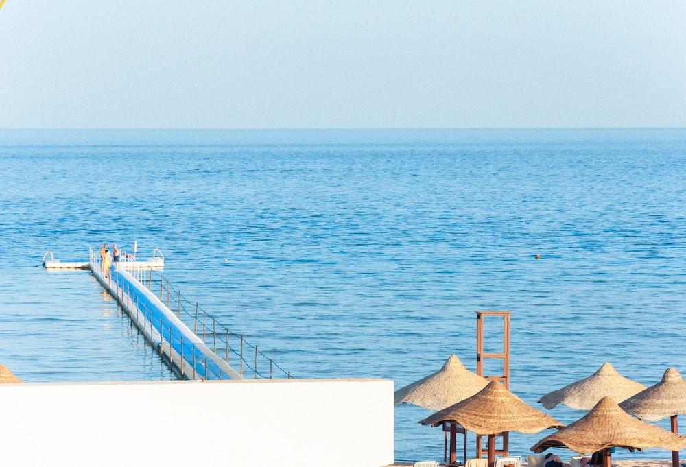 코럴 비치 리조트 몬타자  - 어른 전용(Coral Beach Resort Montazah - Adults Only) Hotel Image 63 - View from Hotel