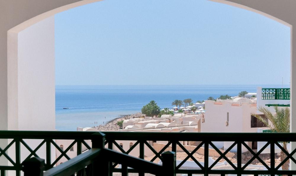 코럴 비치 리조트 몬타자  - 어른 전용(Coral Beach Resort Montazah - Adults Only) Hotel Image 28 - Guestroom
