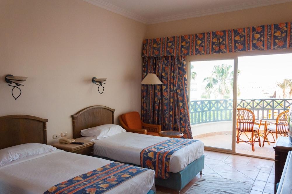 코럴 비치 리조트 몬타자  - 어른 전용(Coral Beach Resort Montazah - Adults Only) Hotel Image 10 - Guestroom