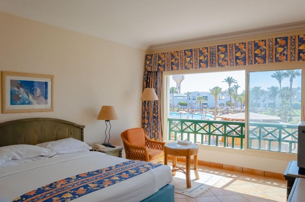 코럴 비치 리조트 몬타자  - 어른 전용(Coral Beach Resort Montazah - Adults Only) Hotel Image 12 - Guestroom