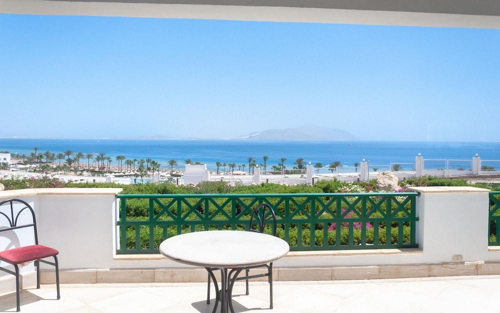 코럴 비치 리조트 몬타자  - 어른 전용(Coral Beach Resort Montazah - Adults Only) Hotel Image 17 - Guestroom