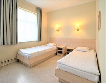 Twin Room (with external bathroom)