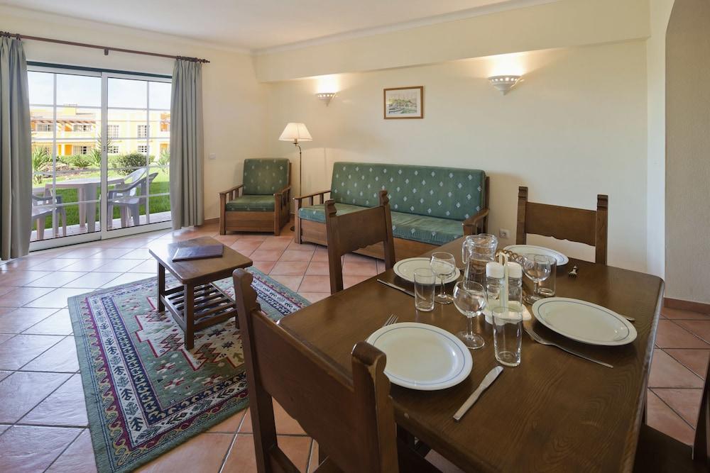 콜리나 다 라파 리조트(Colina da Lapa Resort) Hotel Image 8 - In-Room Dining