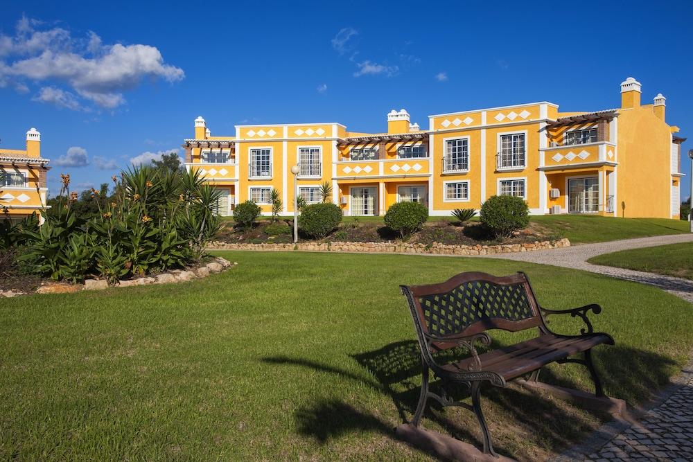 콜리나 다 라파 리조트(Colina da Lapa Resort) Hotel Image 32 - Hotel Front