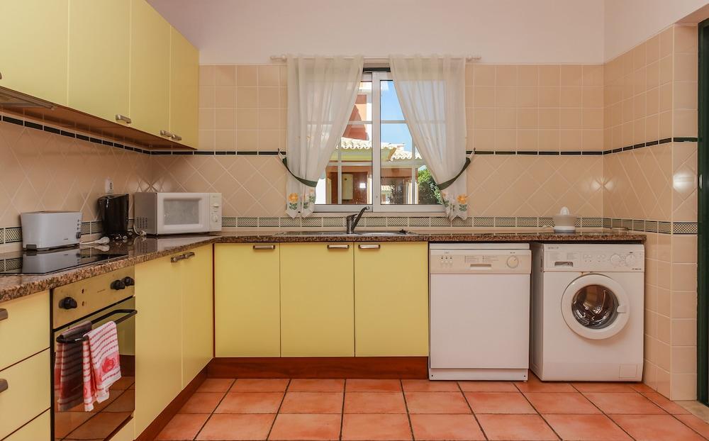 콜리나 다 라파 리조트(Colina da Lapa Resort) Hotel Image 12 - In-Room Kitchenette