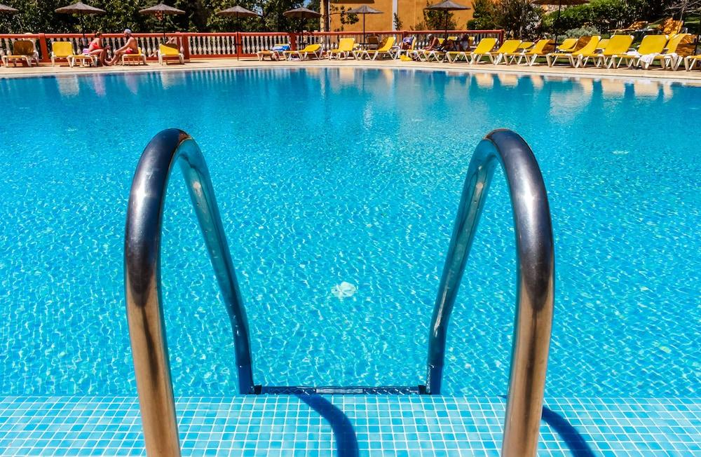 콜리나 다 라파 리조트(Colina da Lapa Resort) Hotel Image 37 - Outdoor Pool