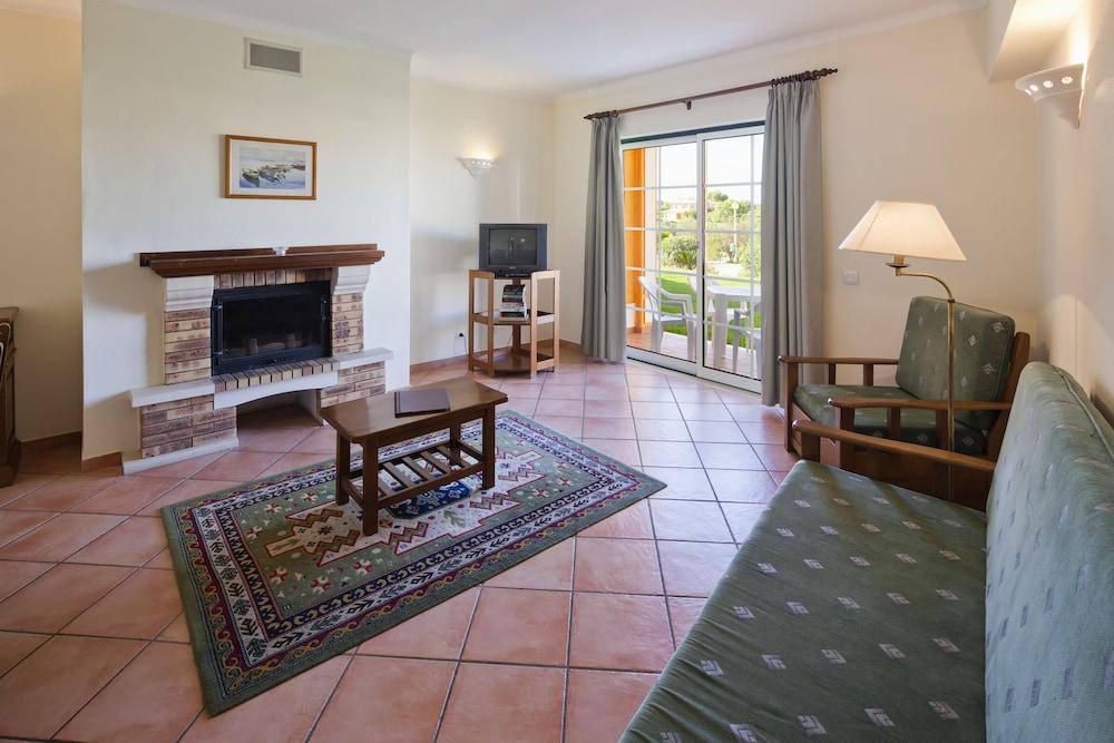 콜리나 다 라파 리조트(Colina da Lapa Resort) Hotel Image 13 - Living Area
