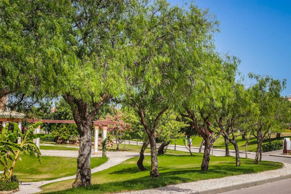 콜리나 다 라파 리조트(Colina da Lapa Resort) Hotel Image 34 - Garden