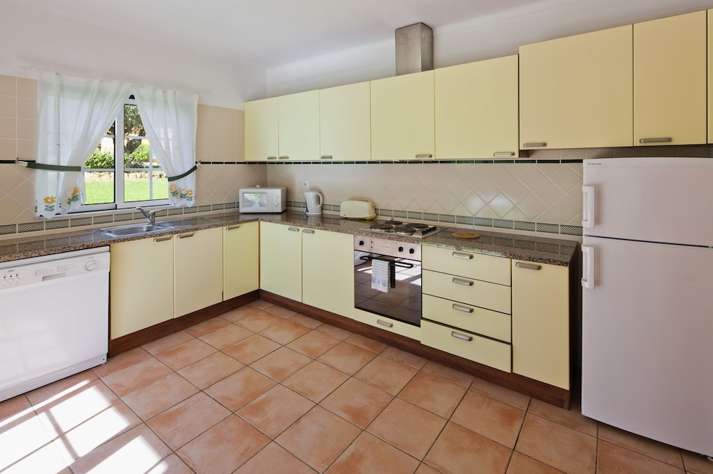 콜리나 다 라파 리조트(Colina da Lapa Resort) Hotel Image 11 - In-Room Kitchen