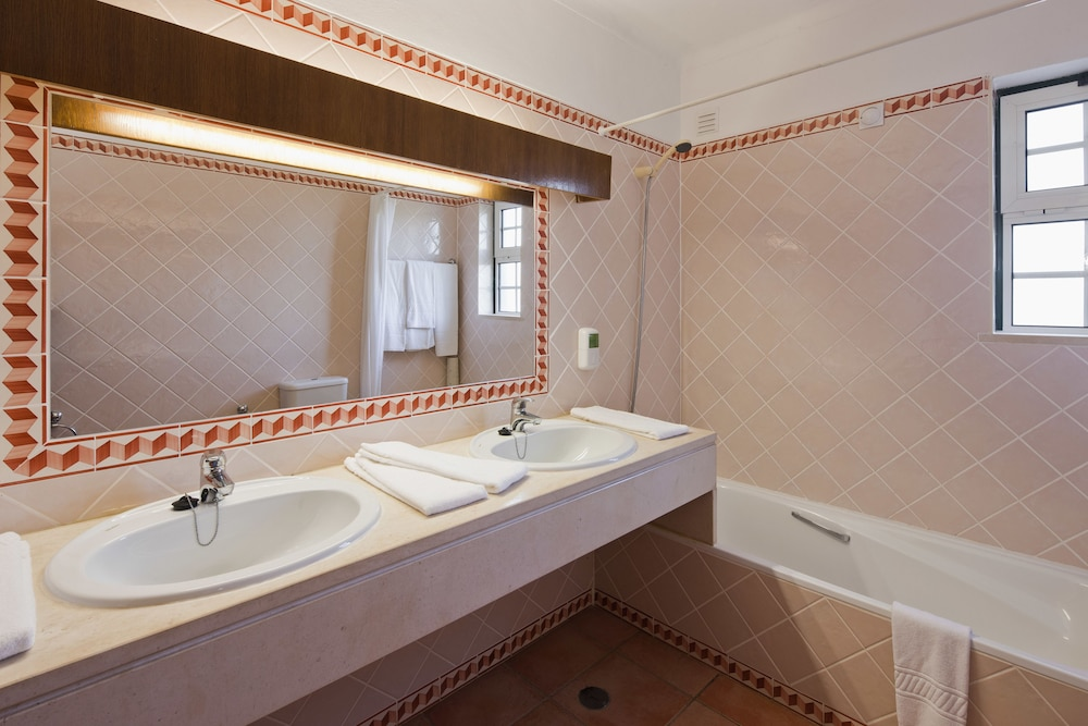 콜리나 다 라파 리조트(Colina da Lapa Resort) Hotel Image 17 - Bathroom