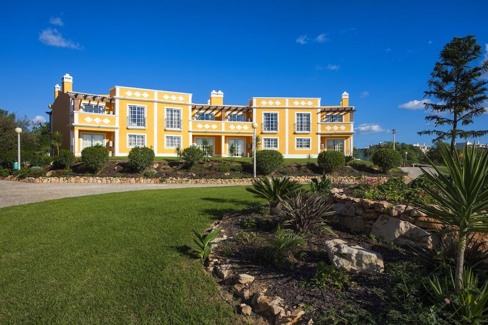 콜리나 다 라파 리조트(Colina da Lapa Resort) Hotel Image 31 - Hotel Front
