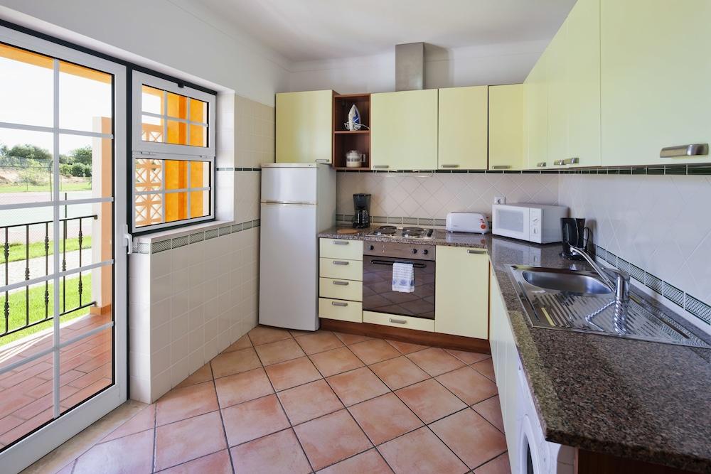 콜리나 다 라파 리조트(Colina da Lapa Resort) Hotel Image 10 - In-Room Kitchen