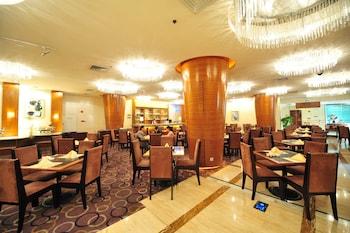 嘉鴻華美達廣場酒店