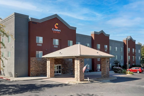 . Comfort Suites Marysville-Yuba City
