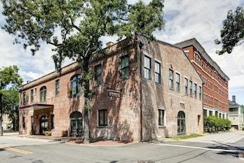 薩凡納歷史區駐橋套房飯店 Staybridge Suites Savannah Historic District, an IHG Hotel