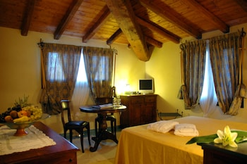 Superior Double Room, Terrace, Hill View (Jacuzzi)