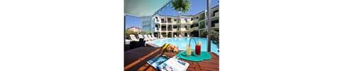 . Ariadimari Hotel