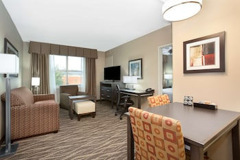 Suite, 1 King Bed, Accessible, Fireplace (Roll-in Shower)