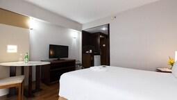 Standard Double Room, 1 Queen Bed