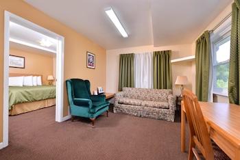 Suite, 1 King Bed, Non Smoking, Kitchen