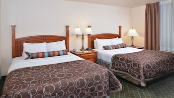 Suite, 2 Bedrooms, Non Smoking, Kitchen (1 King Bed & 2 Full Beds)